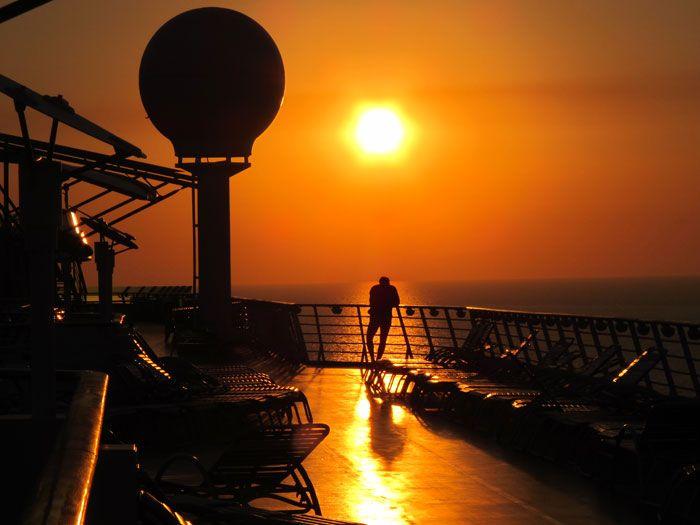 Navigator-of-the-seas-sunset
