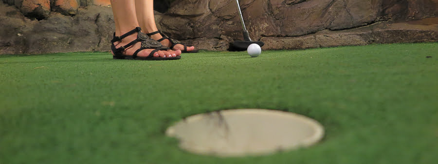 dino_miniature_golf_karon_thiland