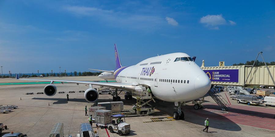 thai-airways-airplane